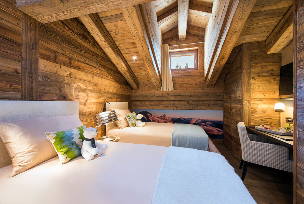 Tall bed room of Agate switzerland verbier