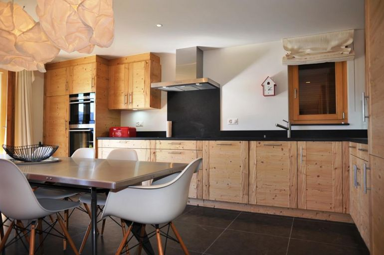 Apartmets metairies kitchen for rent in verbier