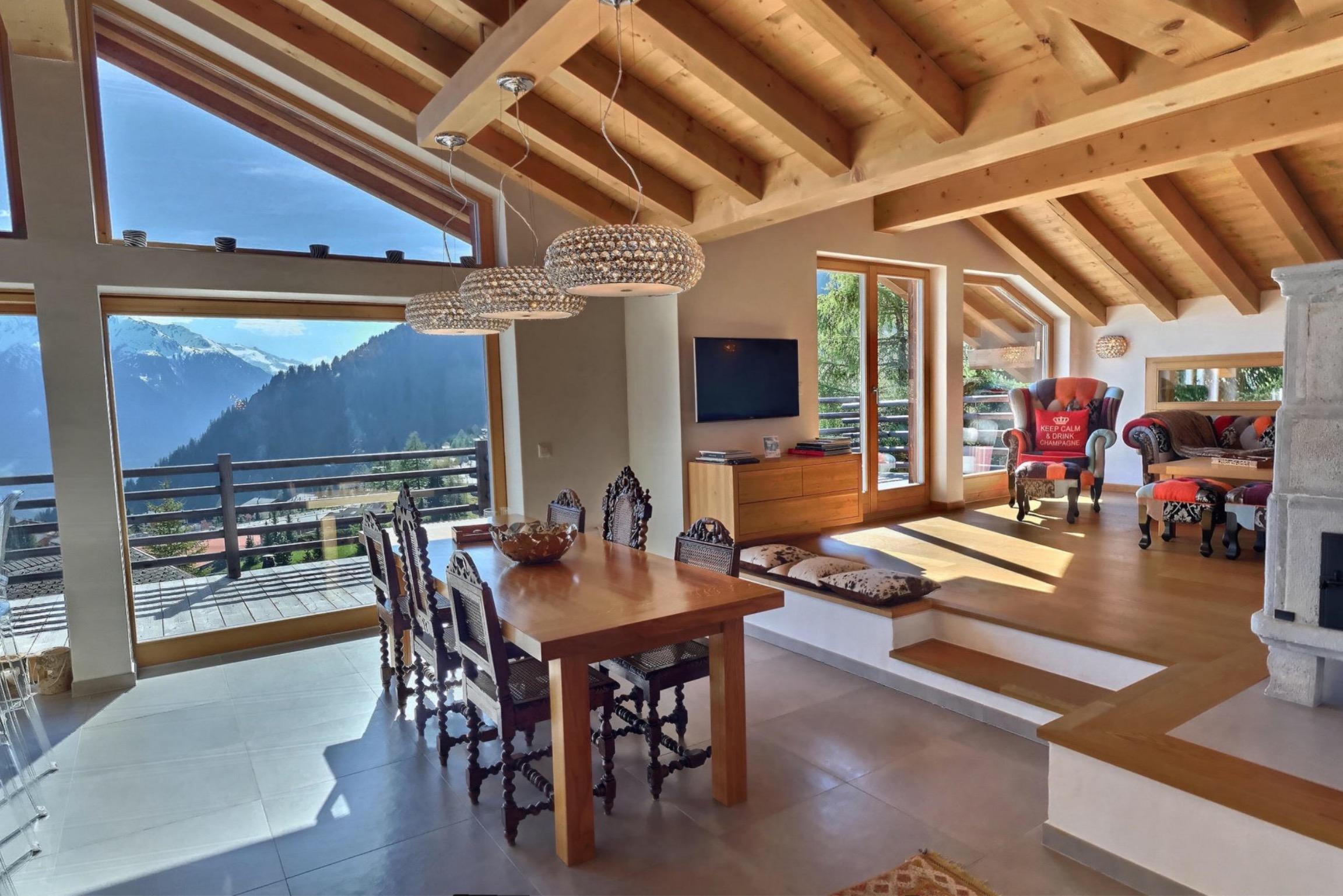 Chalet IV verbier livingroom and outside seen
