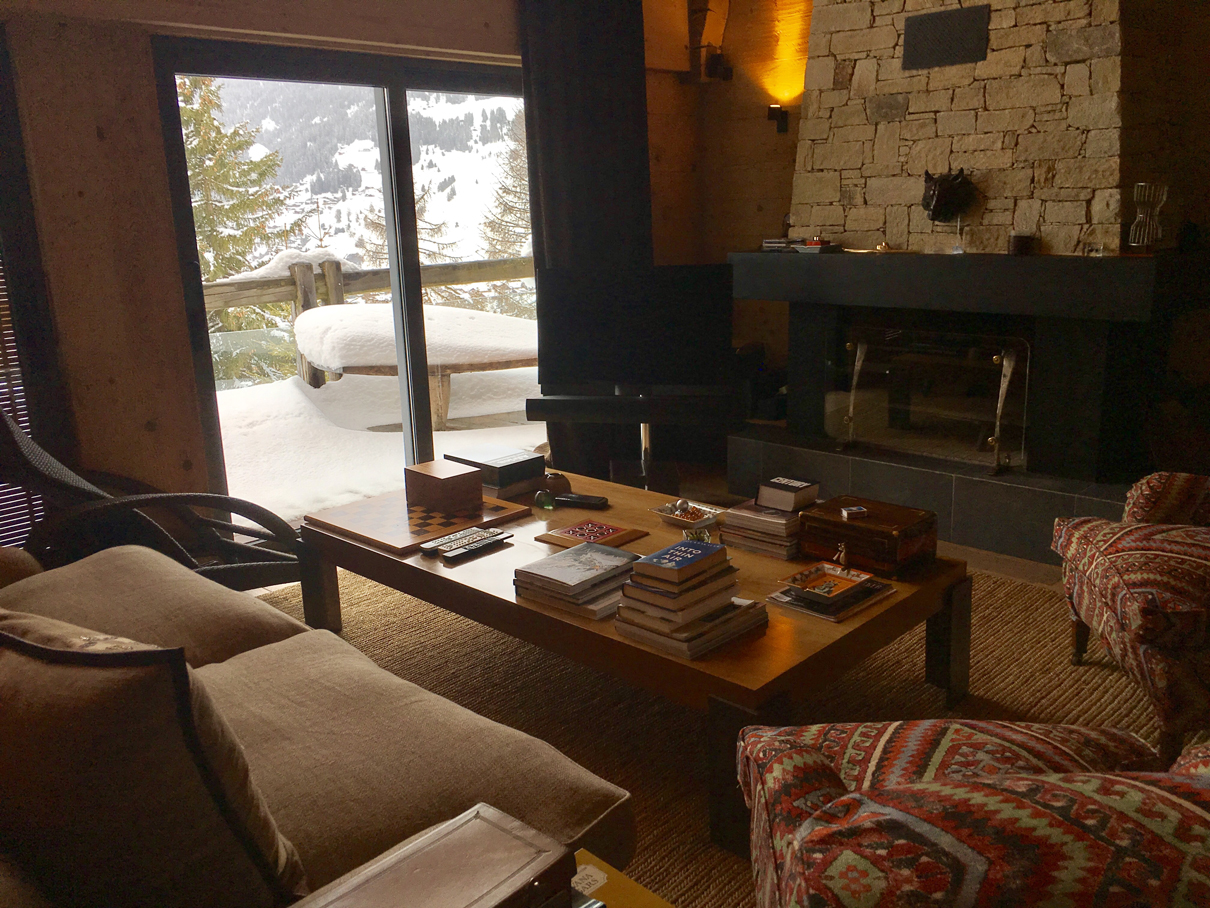 Chalet ngoni living room Verbier with books