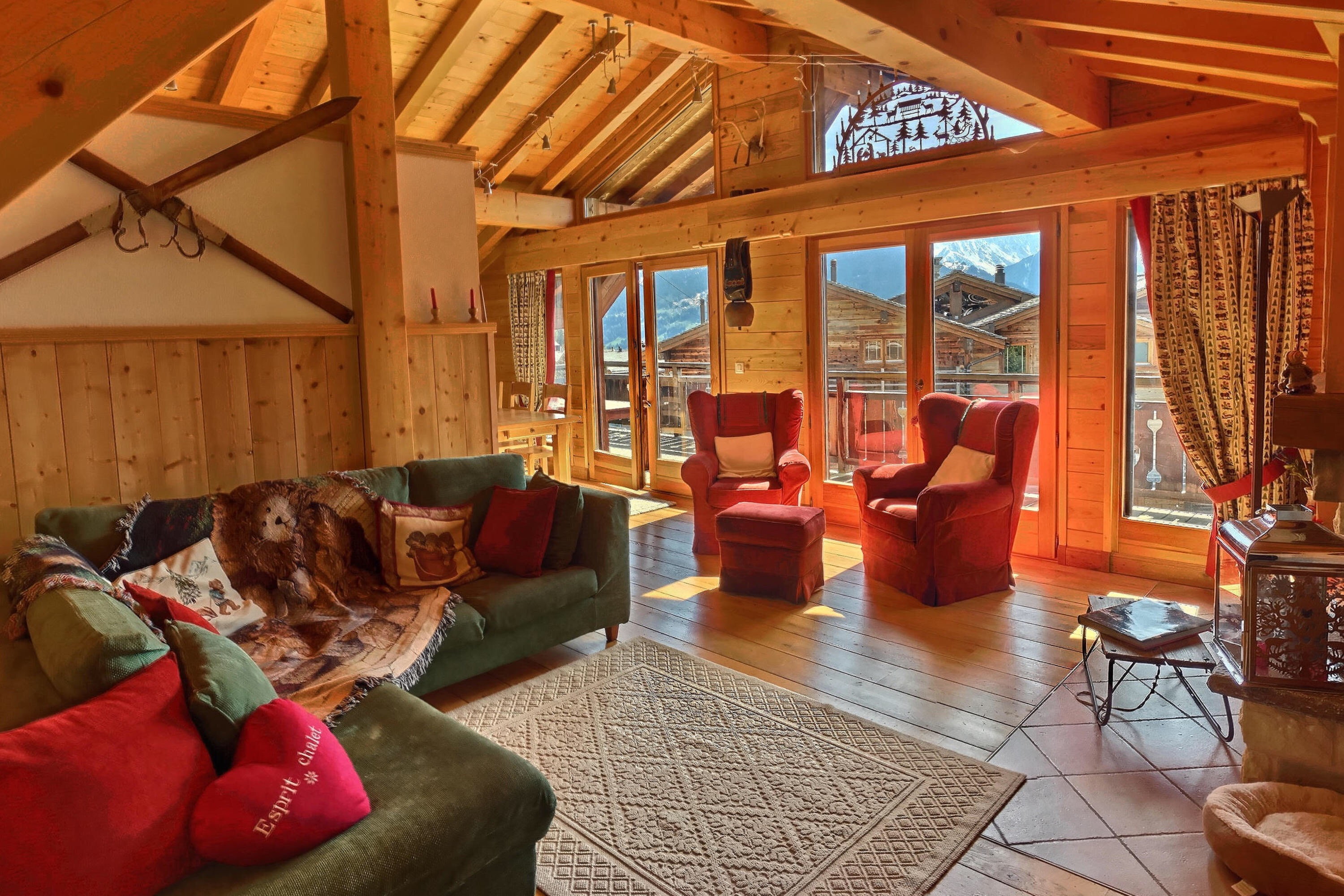 Penthouse verbier living room with mat
