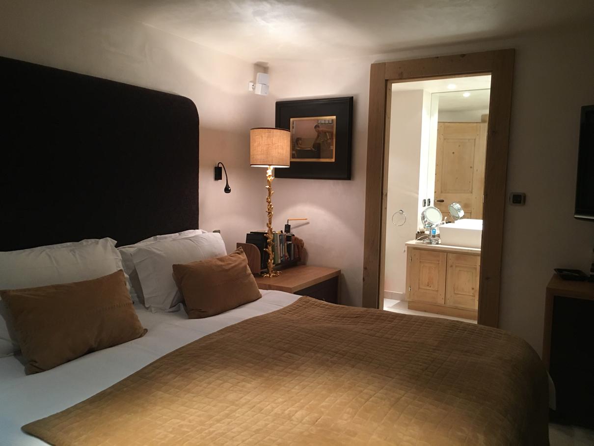 Verbier chalet ngoni bedroom with blanket